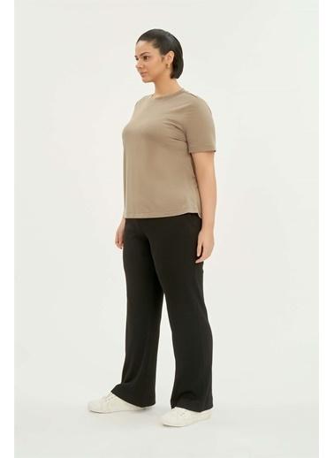 Luokk Bradley Rahat Kesim Kadın Basic T-Shirt Bej